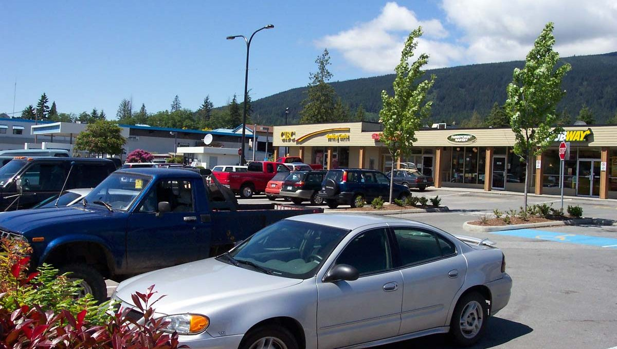 Sunnycrest Mall, Gibsons